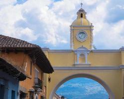 boog in antigua guatemala foto