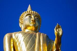 het standbeeld van Boedha in nan thailand foto