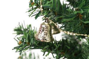 kerstboom met jingle bells. foto