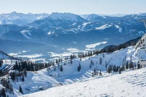 uitzicht op skistation foto