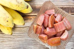 gekweekte banaan op siroop. foto