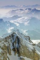 winterlandschap in een skigebied foto