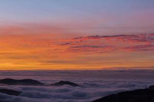 zonsondergang in Sierra Nevada, Granada, Spanje foto