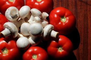 tomaten en champignons foto