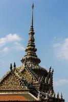 oud pagodestandbeeld foto
