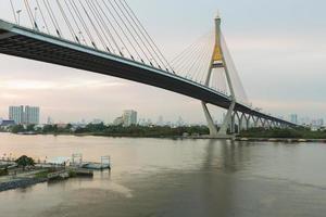 hangbrug bangkok thailand foto
