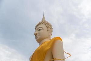 standbeeld van Boeddha foto