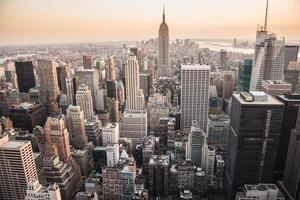 zonsondergang over Manhattan, NY foto
