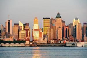 New York City Manhattan bij zonsondergang