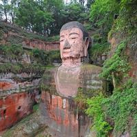beroemde reuzenboeddha in leshan - china foto