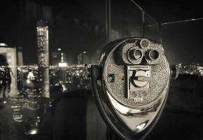 verrekijker in New York City foto