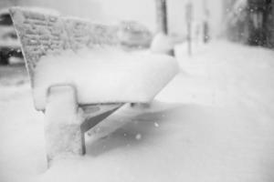 sneeuwt dag in de stad