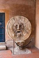 de mond van de waarheid, Santa Maria in Cosmedin in Rome foto