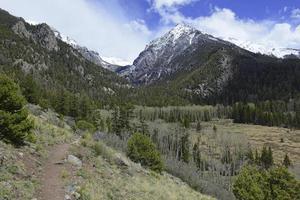 alpine landschap, sangre de cristo range, rotsachtige bergen in colorado