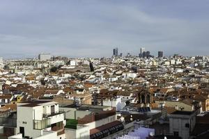 luchtfoto van de skyline van madrid foto