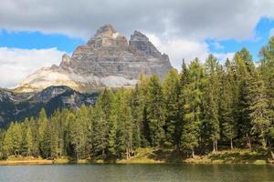 Lago di Antorno Lake foto