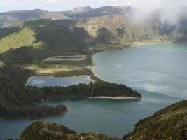 lagoa azul-meer, ten westen van het eiland s.miguel, de azoren foto