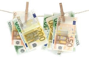 geld witwassen foto