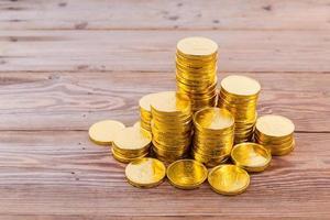 gouden muntenstapel foto