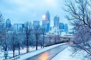 Charlotte North Carolina City na sneeuwstorm en ijsregen