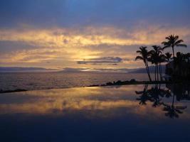 zonsondergang in Maui foto