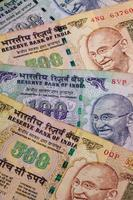 verschillende bankbiljetten uit India foto