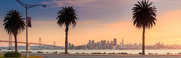 San Francisco en Bay Bridge uit Treasure Island. foto