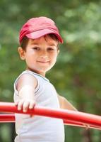 portret van een jongen van 3-4 jaar foto