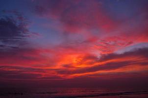zonsondergang in hikkaduwa foto