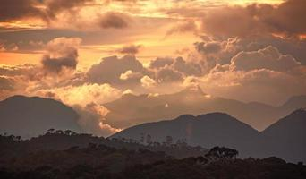 Adam Peak zonsondergang foto