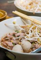 noodlesoep close-up foto