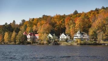 het herfstseizoen in de Adirondack-bergen foto
