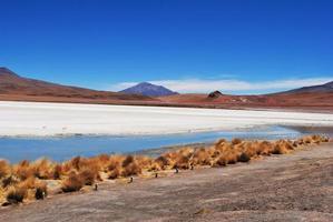 salar de unyuni, woestijnlandschap, bolivia foto