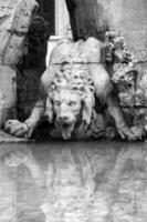 fontein van de vier rivieren in Piazza Navona, Rome foto