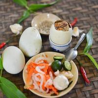 balut, gekookt ontwikkelend eendenembryo