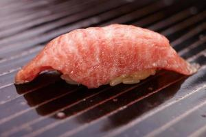 beef suchi nigiri foto