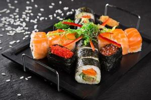 Japanse zeevruchten sushi set foto