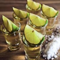 tequila, limoen en zout
