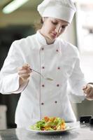 chef-kok maaltijd bereiden foto