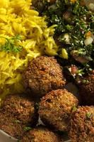 gezonde vegetarische falafelballen foto