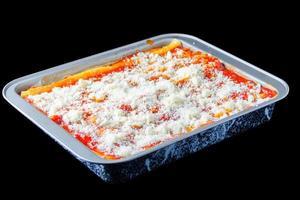gebakken lasagne, lasagne bolognese Italiaans eten foto