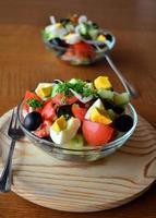 verse lente gemengde groentesalade met eieren