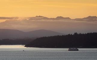 Seattle veerboot bij zonsondergang