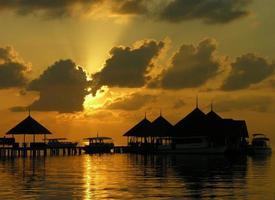 zonsondergang in de Maldiven foto