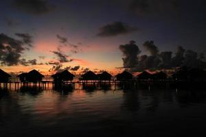 bungalow zonsondergang te tiare foto