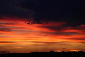 zonsondergang in drie tinten foto