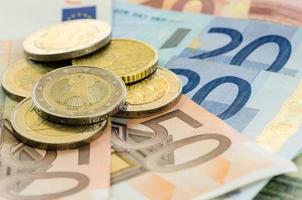 munten en bankbiljetten foto