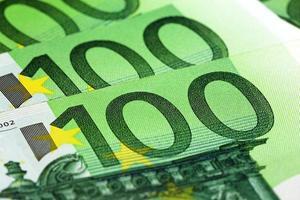 honderd eurobankbiljetten foto