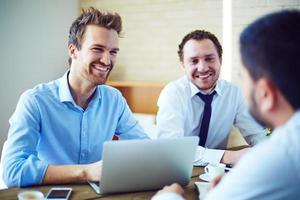 gelukkige zakenlieden