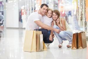 familie winkelen foto